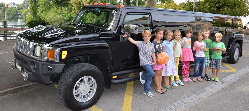 Hummer Limousine Basel