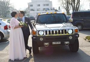 Heirats Hummer Fahrt